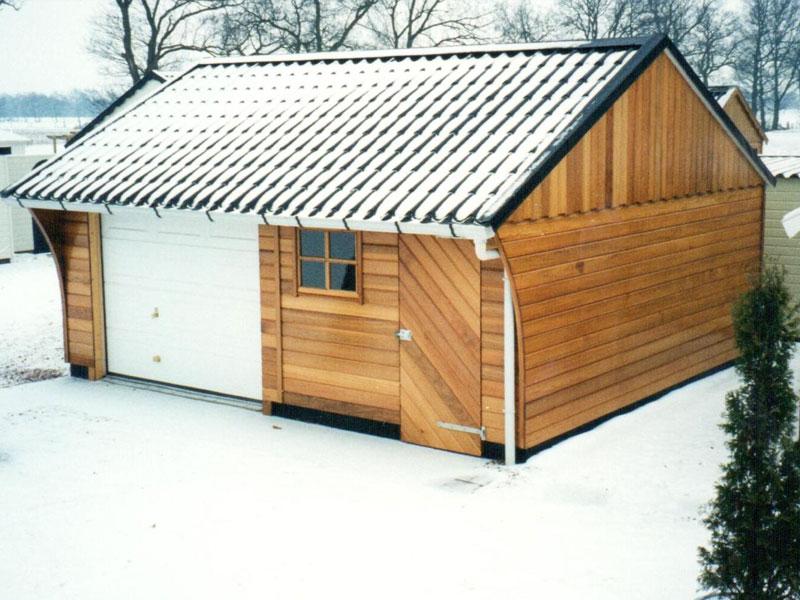 houten-garage-liverpool---front2