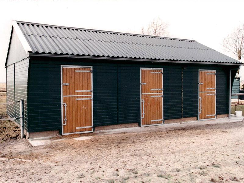 houten-paardenstal-baleno